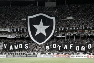 Conexão entre Botafogo e torcida tem feito a diferença no Nilton Santos em 2017