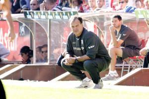 """Marcelo Bielsa: """"Llorente tiene mejor rendimiento si sale titular"""""""