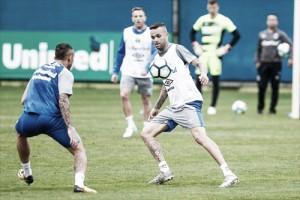Com retorno de atletas, Grêmio inicia preparação para confronto com Flamengo
