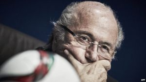Blatter holds emergency FIFA meeting after arrests