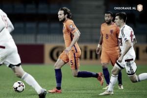 Holanda bate Belarus fora de casa, mas fica longe de vaga na Copa do Mundo