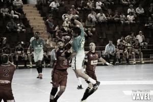 Resumen Bada Huesca vs F.C.Barcelona Lassa en Liga Loterías ASOBAL (17-23)