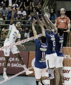 Sada Cruzeiro leva a melhor no duelo mineiro e segue invicto na Superliga 2016/17