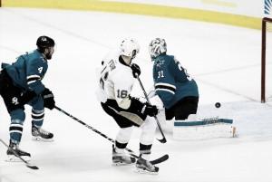 Pittsburgh Penguins push San Jose Sharks to brink of elimination