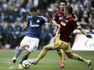 El Schalke 04 acerca al Paderborn al descenso