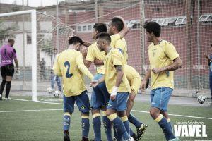 Fotos e imágenes del Las Palmas At. 2-1 Amorebieta, jornada 8 del Grupo II de Segunda B