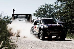 Dakar 2015, Al-Attiyah vince la seconda tappa. Nikolaev in testa tra i camion