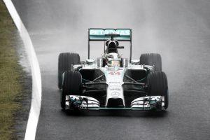 Suzuka folle, vince Hamilton. Paura per Bianchi