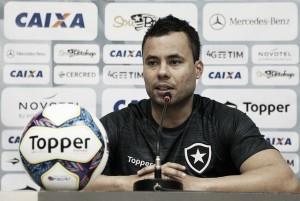 Após derrota do Botafogo na estreia do Brasileirão, Jair Ventura lamenta atuação ruim