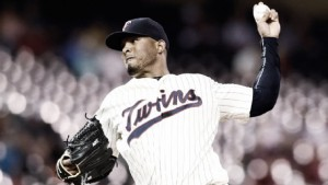 Boston Red Sox shore up bullpen with addition of Fernando Abad from Minnesota Twins