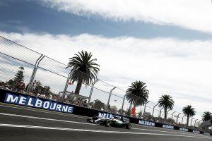Melbourne, si ricomincia da Hamilton. Sua la pole position