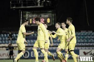 Fotos e imágenes del Villarreal B 2 - 1 Huracán Valencia, de la 13ª jornada del grupo III de Segunda división B