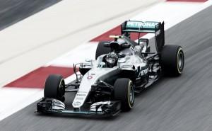 Fp2, Rosberg vola, Vettel si ferma