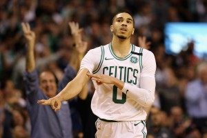 NBA Playoffs, Eastern Conference Finals - Boston non muore mai, James deve inchinarsi al cuore dei Celtics