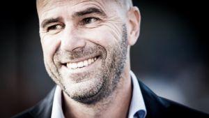Peter Bosz seguirá en el Vitesse