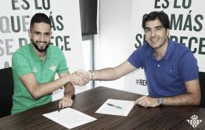 """Boudebouz: """"Es un gran paso para mí llegar a un club tan emblemático"""""""