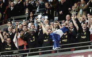 Un cabezazo de Ben Watson da al Wigan su primera FA Cup