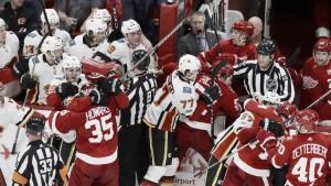 La NHL sanciona a tres jugadores