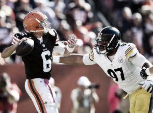 Browns rompió los pronósticos y dejó a Steelers en el fondo del mar