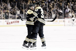 Boston Bruins rout Maple Leafs in Game 1, win 5-1