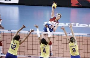 Seleção Brasileira sucumbe ao forte bloqueio da Sérvia e perde primeira partida no Grand Prix