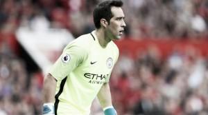 """Ex-goleiro do City critica atual fase de Claudio Bravo: """"Precisa de ajudas psicológicas"""""""