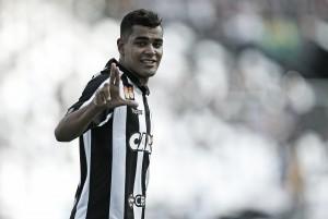 """Artilheiro do Botafogo no ano, Brenner celebra liderança na Taça GB: """"Objetivo era esse"""""""