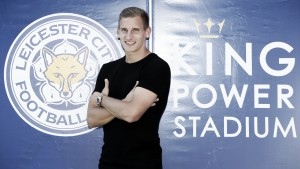 Marc Albrighton agrees new contract at Leicester City
