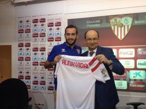 """Aleix Vidal: """"El Sevilla es un club grande. Voy a dar lo máximo"""""""