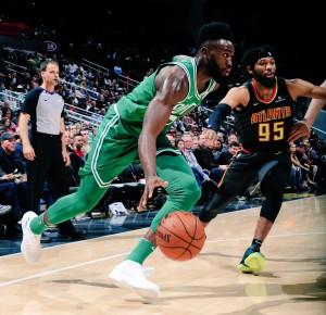 NBA - Boston e Golden State di rimonta, cadono anche Atlanta e Philadelphia