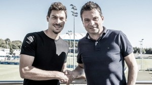 Schalke sign Stambouli