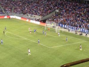 Chivas se impone ante Cruz Azul en California