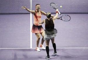 Australian Open: Mattek-Sands/Lucie Safarova overcome tough opponents in Babos/Pavlyuchenkova