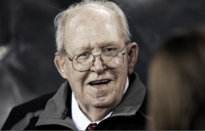 Iconic Coach Buddy Ryan Passes Away at the Age of 82