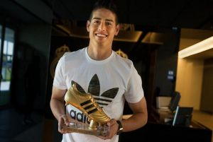 James recibió la Bota de Oro como máximo goleador del Mundial