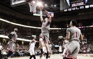 Los Bulls convierten las esperanzas deTyronnLue en pitos y abucheos