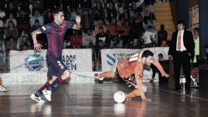El FC Barcelona conquista el liderato frente a un Burela luchador
