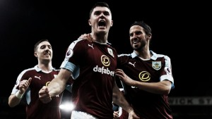 El Burnley convence