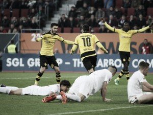 FC Augsburg 1-3 Borussia Dortmund: BVB close the gap at the top with second half display