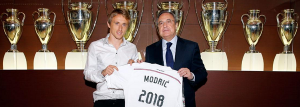 Luka Modric signs 4 year contract extension with Real Madrid