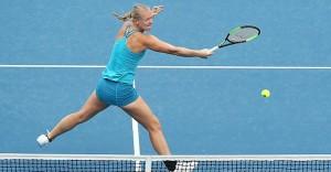 WTA Hobart - Ozaki ferma Safarova, avanza la Bertens