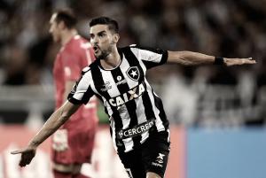Comgol de placa de Pimpão, Botafogo vence Olímpia e abre vantagem na Libertadores
