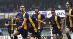 Che spettacolo al Bentegodi: il Verona batte il Parma e sogna l'Europa