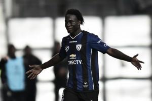 """Zagueiro da seleção equatoriana, Caicedo confirma negociação com Cruzeiro: """"Quase fechando"""""""