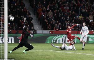 Bayer Leverkusen 1-0Atletico Madrid: Germans take narrow lead into second leg against 10 man Atleti