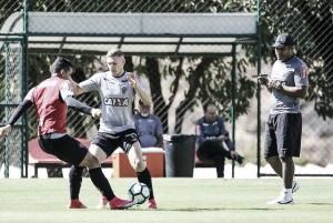 Com vários jovens, Roger Machado relaciona Atlético-MG para pegar Chapecoense