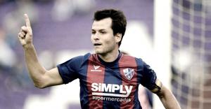 Camacho defenderá El Alcoraz dos temporadas más