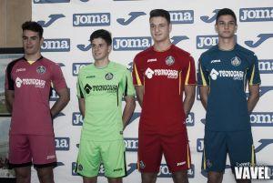 El Getafe presenta las equipaciones oficiales de la temporada 2015/16