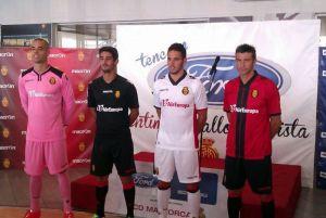El Mallorca presenta sus nuevas camisetas