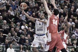 LegaBasket Serie A - Sassari rimonta e vince, la fuga di Reggio dura solo un tempo